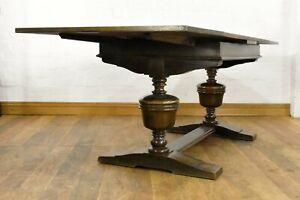 Antique large bulbous oak 6 - 8 seater extending dining table