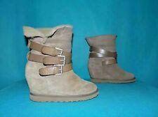 bottines boots compensées ASH yes en daim beige et vrai mouton p 40 fr