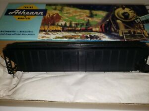 ATHEARN BLUE BOX 5300 UNDECORATED 3-BAY COVERED HOPPER KITS HO SCALE