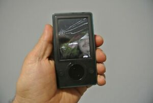 Microsoft Zune 30GB 1st Gen. Model 1089 FOR PARTS OR REPAIR ONLY LCD BROKEN