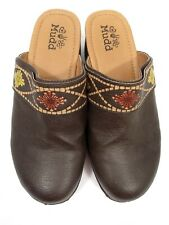 Mudd Size 3 Girl's Women's Clogs Brown With Floral Design
