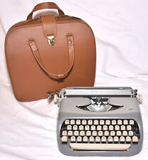 Vintage Royal Royalite Manual Typewriter, Case, Holland Made EXCELLENT CONDITION