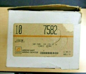 Arrow Hart  7582 Locking Receptacle (Box of 10)                 NEW/NEW-open box