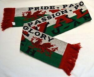 WALES supporter  Welsh Dragon WOOLY SCARF CYMRU  RUGBY FOOTBALL