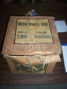 NOS 1940-1950 UTILITY CHEVROLET TRUCK REAR WHEEL HUB 3685195