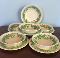 11 Peices of WEDGWOOD BARLASTON GREEN BRAMBLE ENGLAND Shell Edge
