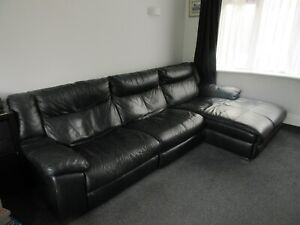 Black Leather Corner Sofa with Chaise 2 Recliner Seats