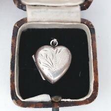 VINTAGE HALLMARKED STERLING SILVER HEART LOVE BEAUTIFUL ENGRAVING LOCKET PENDANT