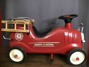 Radio Flyer Red Fire Engine No 9 Metal Model 909