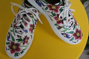 Salvatore Ferragamo Fasano Napa Leather Sneakers Size 9 White Floral