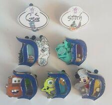 Lot de 7 Pin's Disney - 5 D EL 3000 + 2 Name Tag
