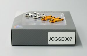 JC Wings 1:400 GSE Aircraft Push Back Tug Set # 7 'Korean Air & JAL'