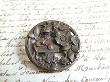Grand bouton ancien à décor de Lézard & de fleurs en métal 3,7 cm french button