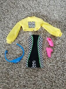 Barbie bmr1959 Outfit Yellow Top, Trainers, Bag, Cycle Shorts new