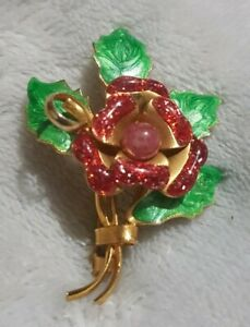 VINTAGE CHRISTMAS ROSE & HOLLY BROOCH FLOWER GOLD TONE ENAMELLED PIN GIFT RED