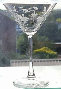 6 x Elegant Hand Cut Crystal Cascade Design Champagne/ Cocktail Glasses
