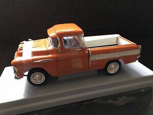 1/18 1957 CHEVROLET CAMEO PICK UP TRUCK