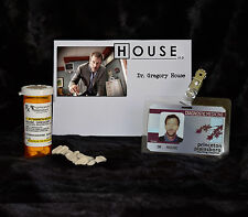 """TV SERIES HOUSE MD REPLICA PROP """"GREGORY HOUSE"""" VICODIN BOTTLE AND HOSPITAL ID"""