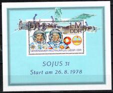 Echte Briefmarken mit Raumfahrt-Motiven aus der DDR