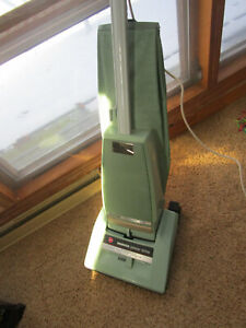 HOOVER CONCEPT ONE power drive vacuum #U 3307 green 2 speed A bag 5.6 A VG 1980s