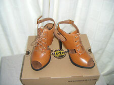 Doc Martens Raïna Ladie's chaussures tan clair Packard Cuir Taille 3-NEUF