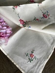 Vintage Handmade Floral Cross Stitch Cotton Tablecloth Roses NWOT