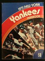 New York Yankees 1971 Yearbook ~Vintage ~ M1459