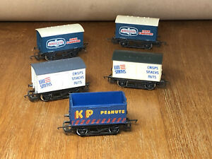 FIVE Hornby Wagons - BIRDS EYE FISH FINGERS, SMITHS & KP PEANUTS - OO VGC