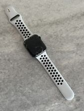 Apple Watch Series 5 44mm Space Gray Aluminium Case - Cracked Glass