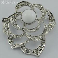 NEW SILVER FLOWER BROOCH DIAMANTE CRYSTAL WEDDING CAKE BRIDAL PROM PARTY BROACH