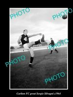 OLD LARGE HISTORIC PHOTO OF CARLTON FC GREAT SERGIO SILVAGNI c1964 KICKING