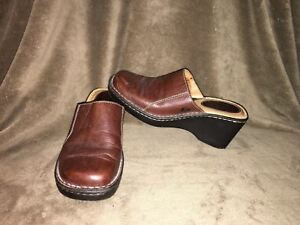 EUC Women's Born Brown Leather Clog Mules Size 8