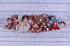 Lotto 18 bambole in pregiata ceramica/porcellana dipinte a mano. Da collezione.