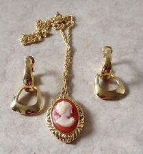 "Vtg Trifari Cameo Necklace Earring Set 16"" Gold Tone Chain"