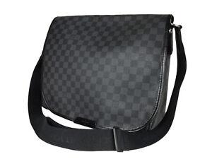 LOUIS VUITTON Daniel GM Damier Graphite Canvas Black Crossbody Messenger Bag