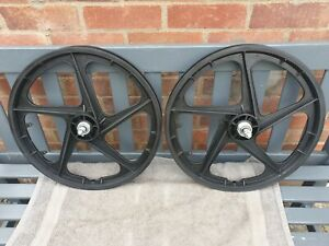 "Black BMX Mag Wheels 20"""
