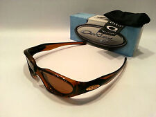SUPERB OAKLEY SUNGLASSES - BLUE BOX - 04 233 - 100% AUTHENTIC - CLEARANCE PRICE