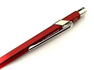 Kugelschreiber Caran d'Ache 849 CLASSIC Farbe rot Design Ballpoint Pen Mine blau