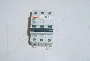 Disjoncteur MERLIN GERIN multi 9 réf. C60H C16