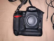 Nikon D3s + boite, accessoires, 2 batteries, parfait fonctionnement.