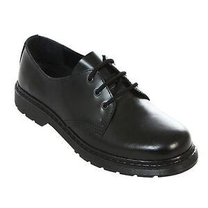 Boots & Braces - easy 3 Loch monochrom Black on Black Schwarz Schuhe Made in EU