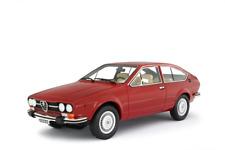 LAUDORACING-MODELS ALFA ROMEO ALFETTA GTV 2000 1976 1:18 LM130B1