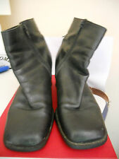 DOROTHY PERKINS -  BLACK LEATHER ZIP UP ANKLE BOOTS Size 6/39