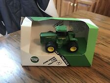 John Deere 4WD Tractor Motorized Action