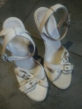 BCBGirls white Strappy Leather Wedge Sandals   Sz 9 made in brazil