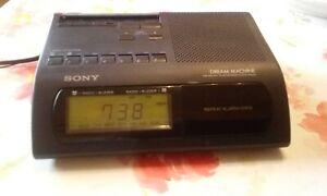 Sony Dream Machine ICF - C 303 Radiowecker Uhrenradio