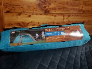 ozark trail 2 person dome tent w/ rainfly lightly used, great condition