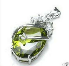 Beautiful  Noble Exquisite Silver Peridot Oval Silver Pendant Necklace