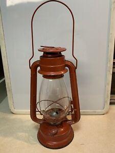"""Winged Wheel No 500 Kerosene Lantern Red 11.75"""" tall w/handle flat wick Japan"""