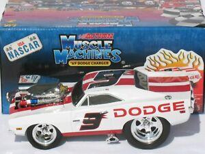 1/18 Kasey Kahne #9 Dodge Reverse Pit Cap 1969 Dodge Charger Muscle Machines Car